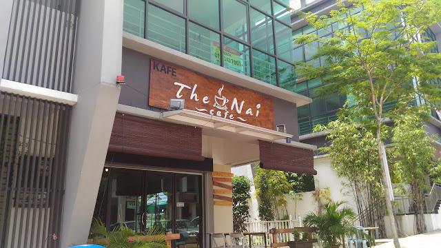 FRESH WATER KING PRAWN AT NAI'S CAFE