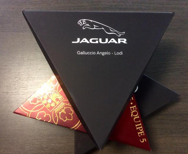 Packaging triangolare per diversi prodotti