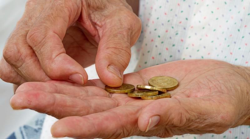 Violência financeira contra idosos é frequente nas famílias - AW ...