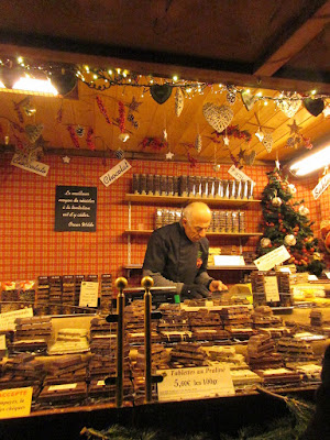 Продавец шоколада