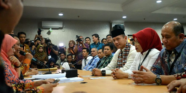 Perpisahan Yang Mengharukan Agus Yudhoyono Dengan TNI