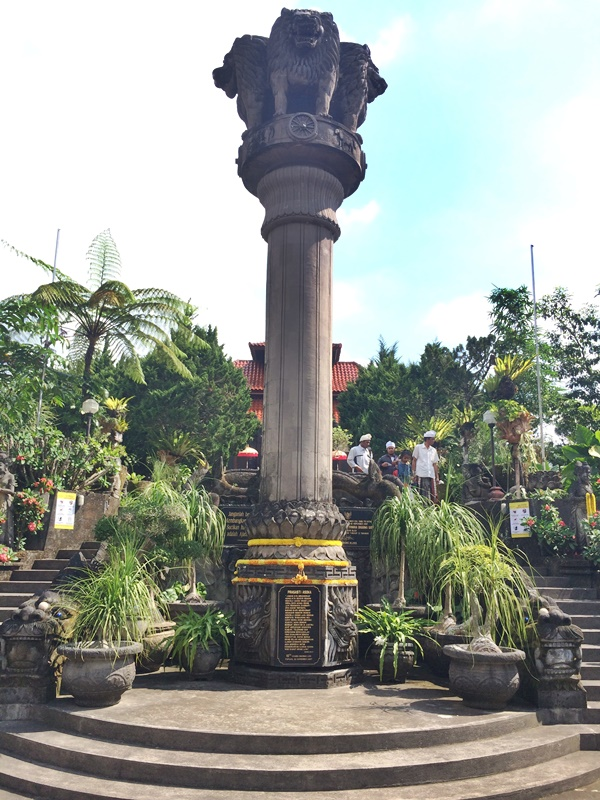 Patung Budha Tidur Vihara Dharma Giri di Pupuan, Tabanan