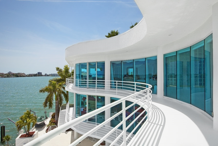 Balcony and facade of Modern villa in Tampa Bay