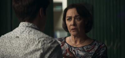 A Dona do Pedaço : AVÓ BANDIDA - Evelina exige que Leandro cometa crime e é desmascarada