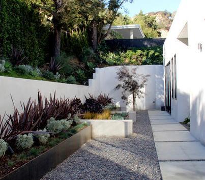 Fotos de jardin modelo de jardines de casas peque as for Disenos de casas pequenas con jardin