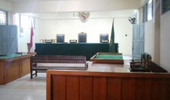 Hakim Absen, Sidang Wakil Ketua DPRD Bantaeng Ditunda