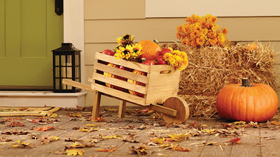Rustic Wheelbarrow with interchangeable signs #DIHworkshop Virtual Party