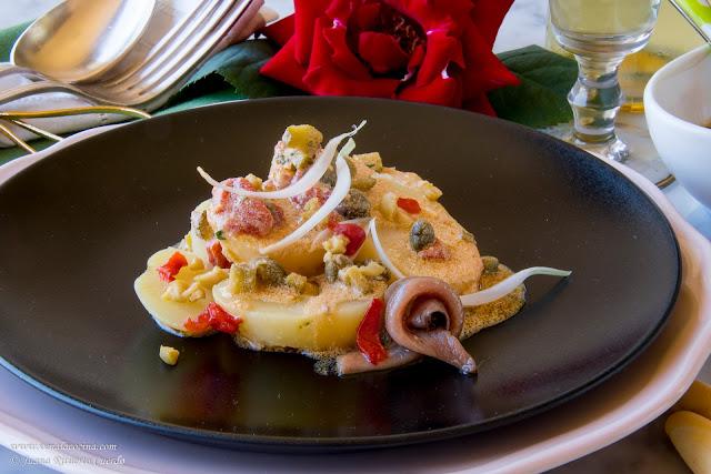 Ensalada de patata con vinagreta de anchoas