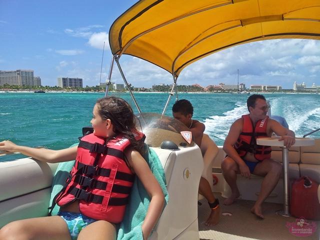 Passeio de barco em Aruba com crianças