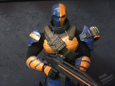 Toy Fair 2017 Mezco One:12 Collective DC Comics Deathstroke