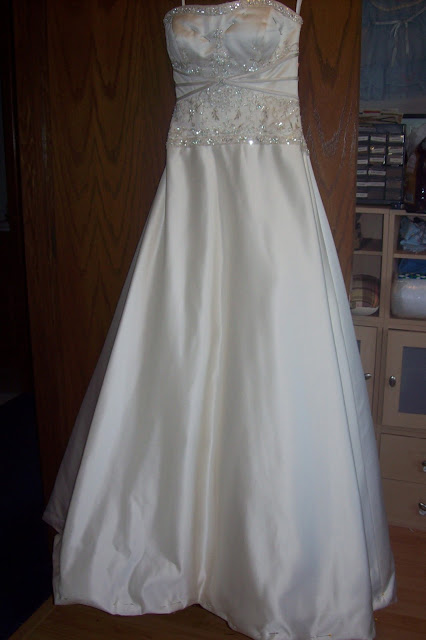 sew kansas wedding dress alterations how to shorten a dress with horsehair braid. Black Bedroom Furniture Sets. Home Design Ideas