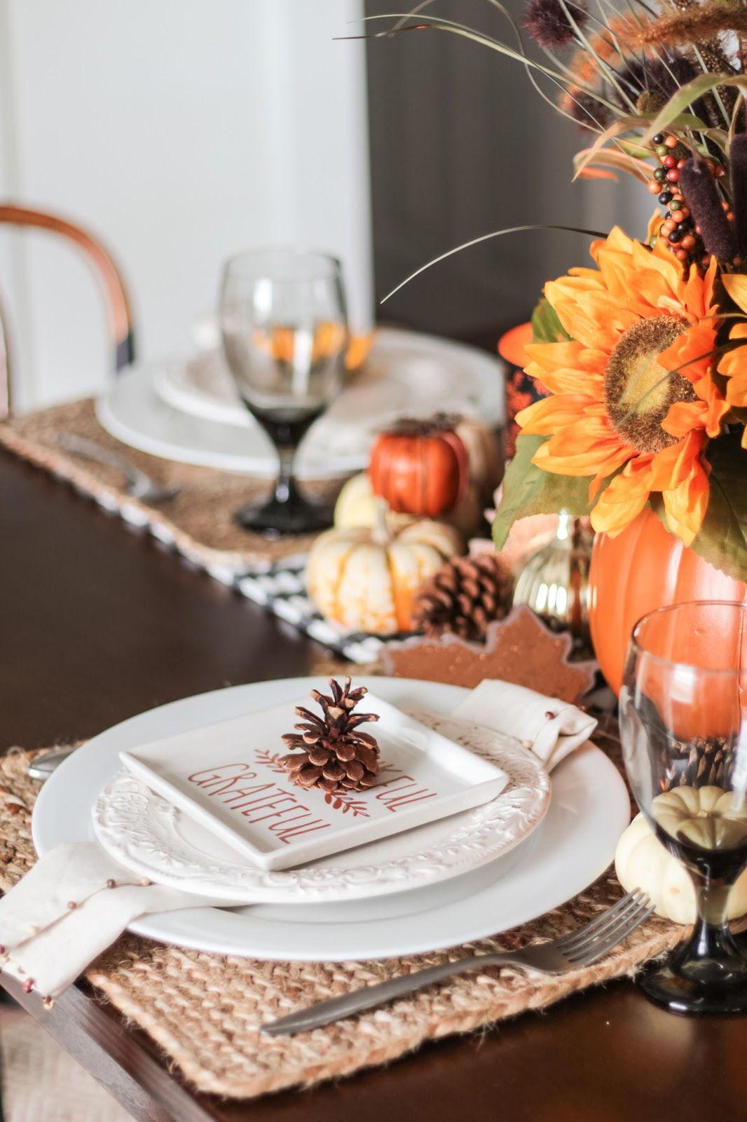 Easy Last Minute Thanksgiving Tablescap