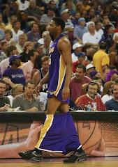 smešna slika: Skinuti šorc košarkašu Kings Lakersa