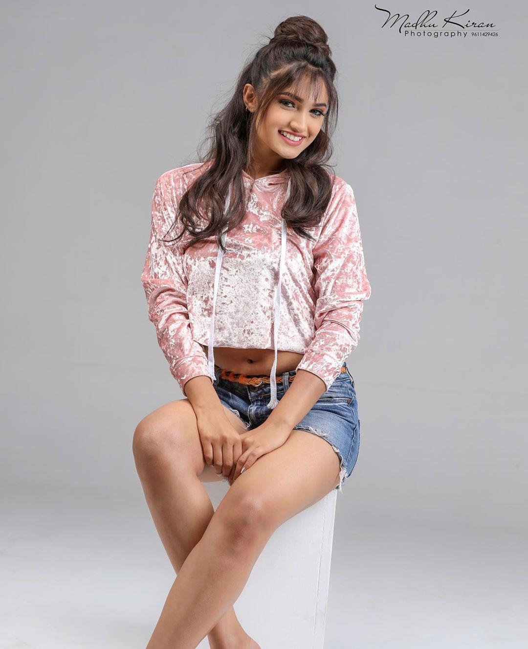 Ek Love Ya Kannada Movie Actress Reeshma Nanaiah Latest Photos