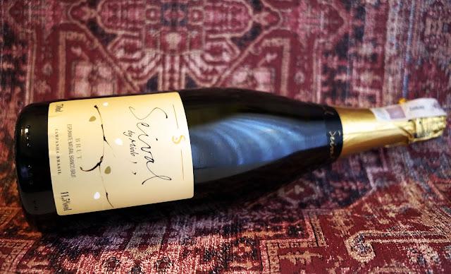 Seival by Miolo Brut, czyli wino musujące z oferty Biedronki. Jak smakuje? Czy warto je kupić?