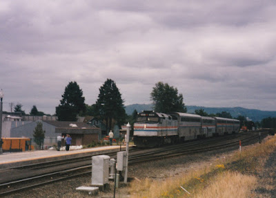 Amtrak F40PHR #319 in Kelso, Washington