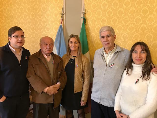 Mariano Tomatis Y Francisco Mattina Secretario y Presidente de la FAIA con los lobenses Daniela Giuliano, Miguel Lopresto y Carla Raschia