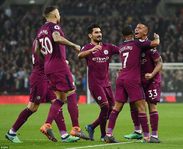 Tottenham 1-3 Man City: Chạm tay vào ngai vàng 1