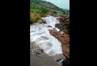 Açude sangra após chuva de 67,8 mm no Sertão da Paraíba; veja vídeo