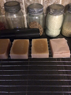 Why is your cold process soap lighter around the edges and dark in the middle? Learn what causes this, how to prevent it, and if your soap is still save to use. By Angela Palmer @ Farm Girl Soap Co.