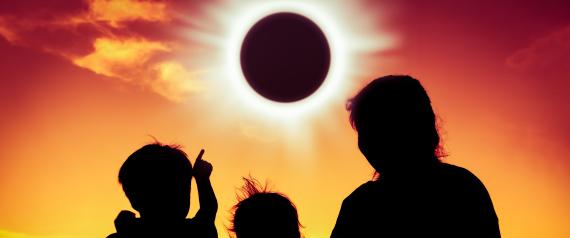 تلاتة مواقع و تطبيقات ستمكنك من مشاهدة كسوف الشمس اليوم لحظة حدوثه
