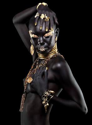 mujer negra foto artistica a color