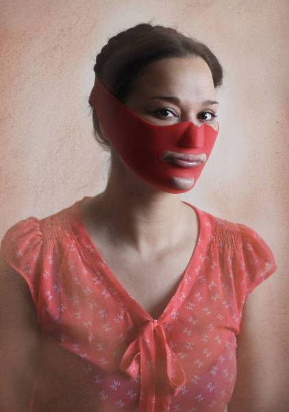 18 Alat Kecantikan Aneh Yang Menjanjikan Kecantikan Bagi Anda