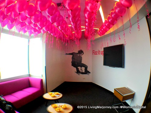 Magenta-Sky-Fizz-It-Up-Lounge