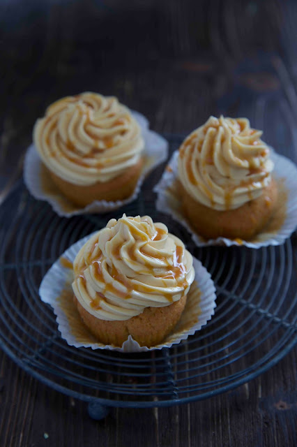 Ginger Cupcakes mit salted Caramell Buttercreme