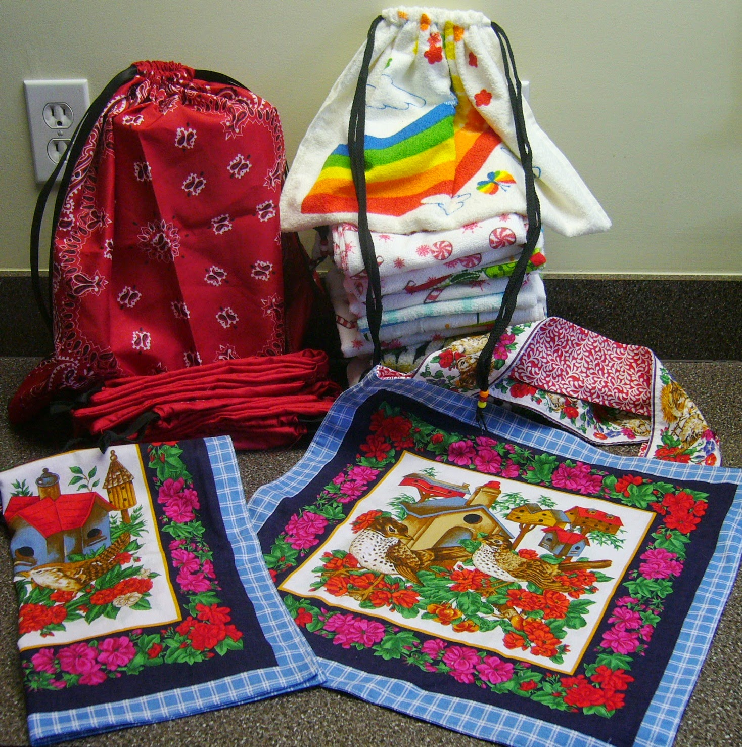Crafting tote bags for Operation Christmas Child shoeboxes.