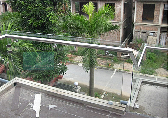 Railing Kaca Balkon Tempered