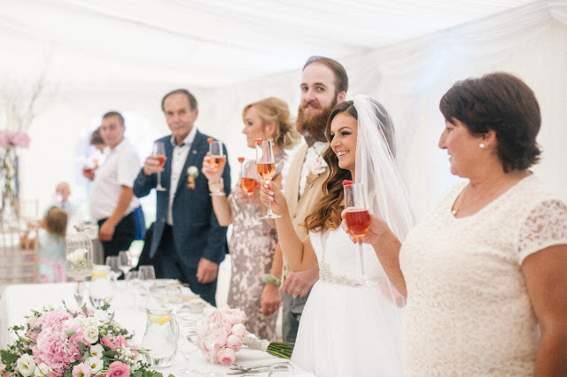 How to Host a Stylish Wedding on a Budget