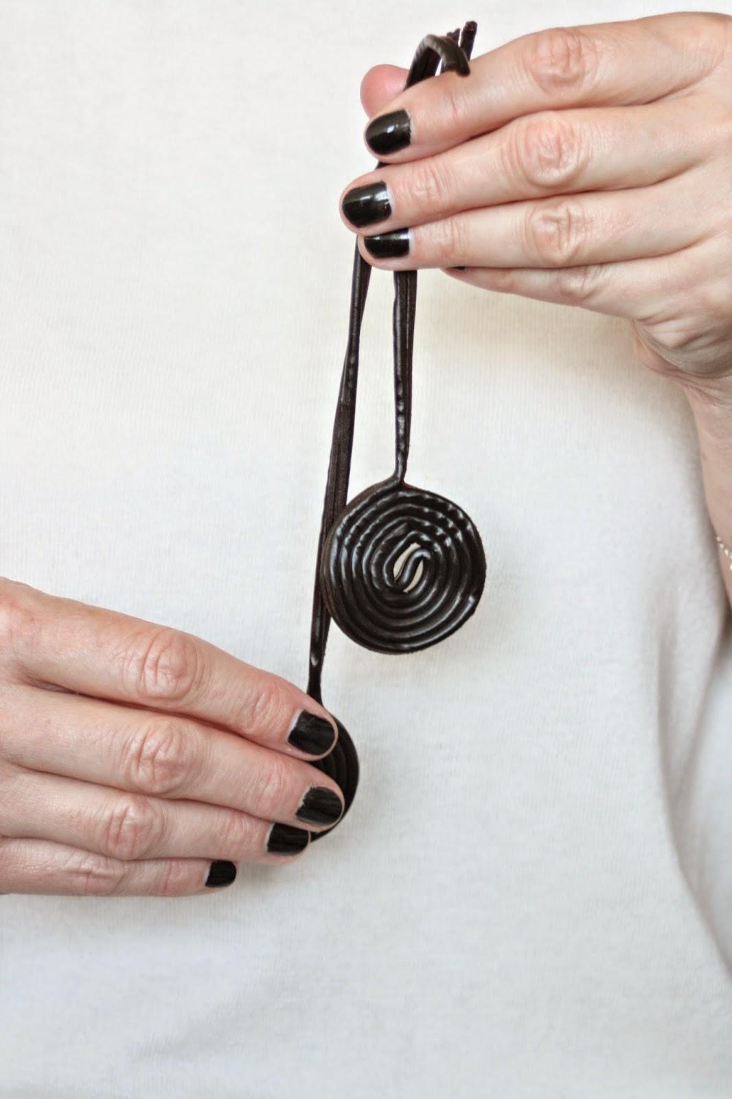 schwarzer nagellack nicht nur was f r punks glam up your lifestyle. Black Bedroom Furniture Sets. Home Design Ideas