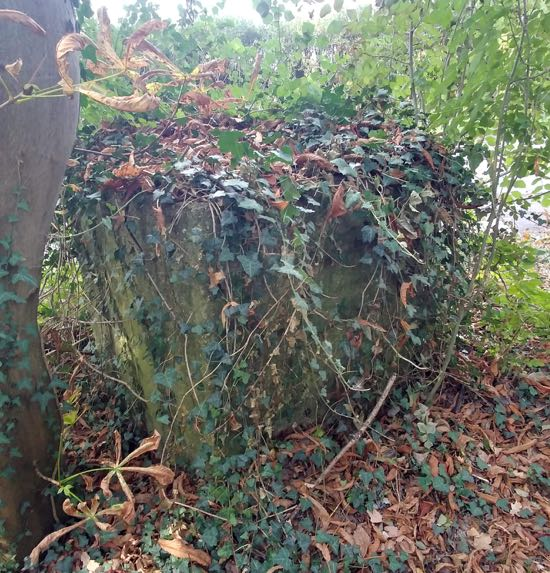 The tank trap at the south-east end of Swanley Bar Lane at the junction with the Great North Road Image by the North Mymms History Project released under Creative Commons BY-NC-SA 4.0