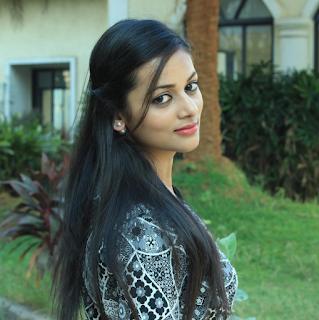 Foto Cantik Kajol Srivastava Terbaru