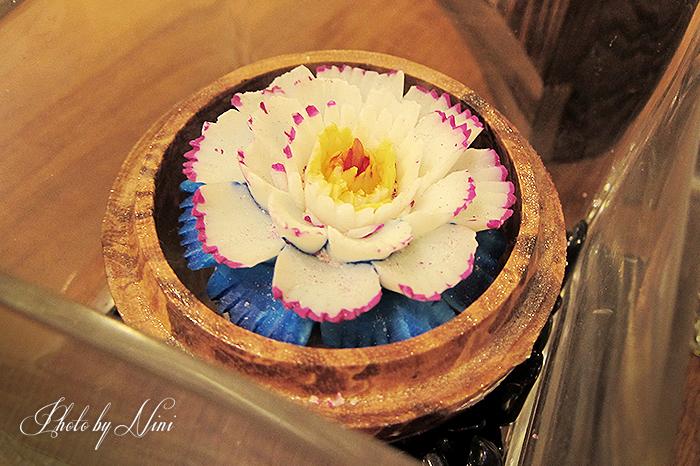 【微風信義美食】Thai Bazaa 泰集。超厚切月亮蝦餅
