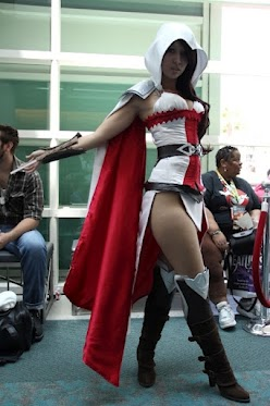 assassin's creed cosplay babe