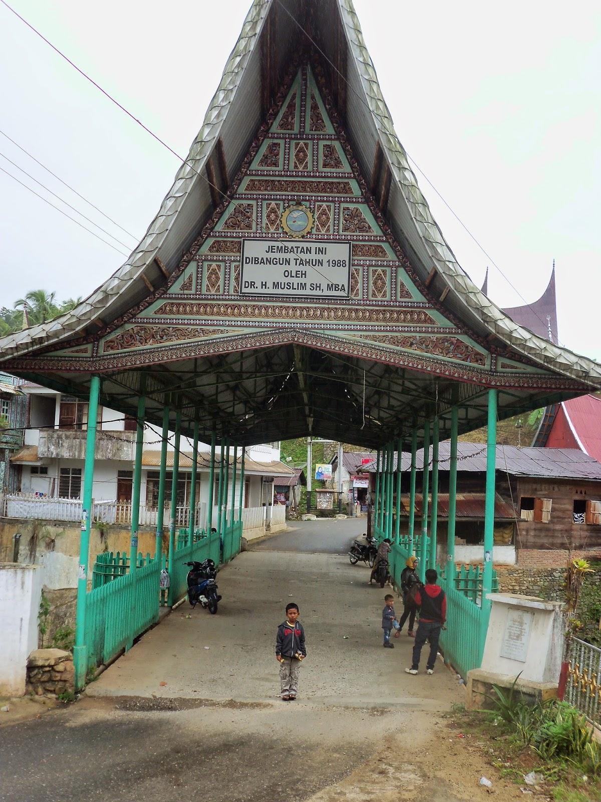 Jembatan yang disponsori oleh H.Muslim di Sulit Air