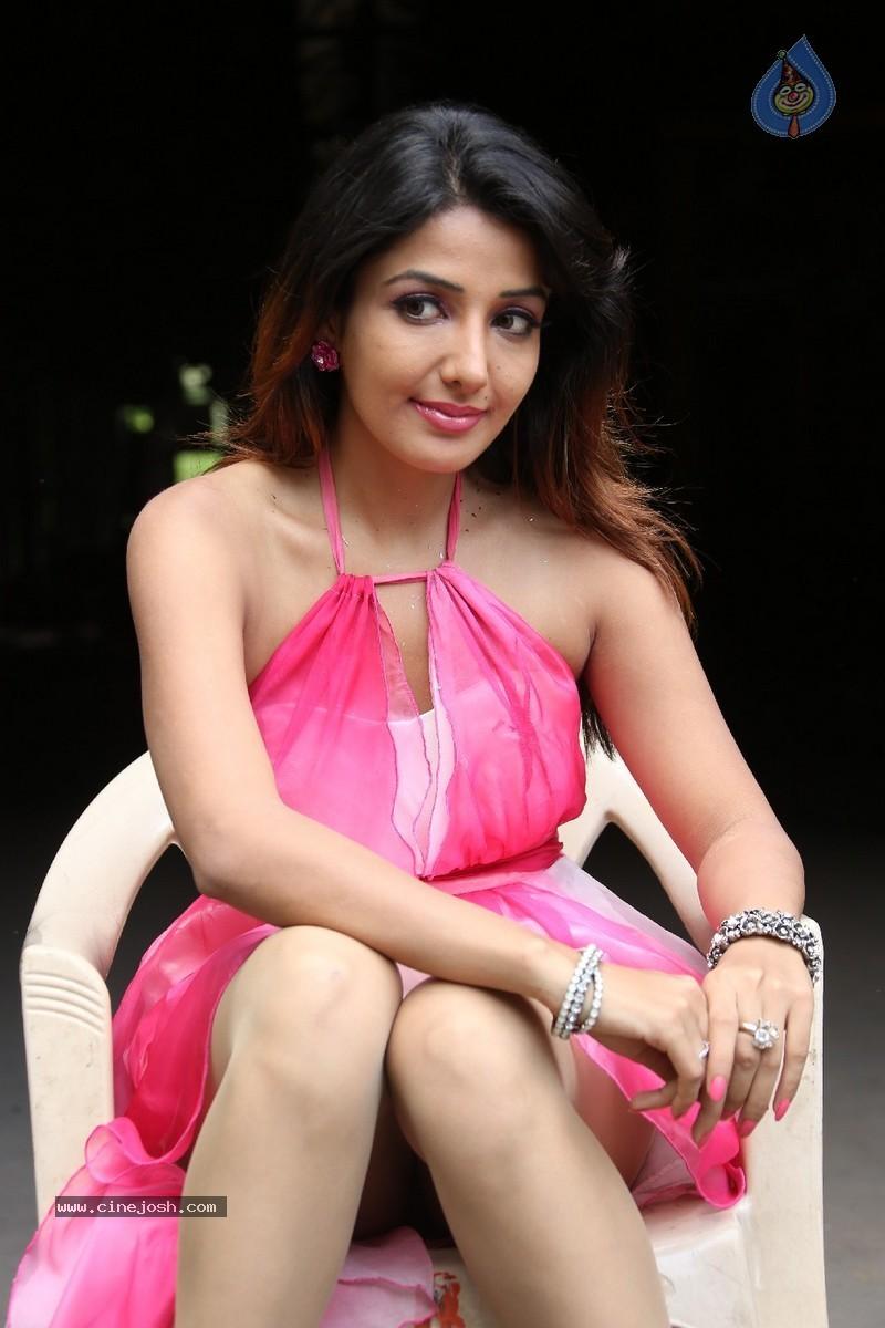 Sonia Mann  Hot N Sexy Actress-8790