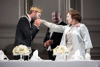 Brett Dean: Hamlet - Glyndebourne on Tour - William Dazeley, Jeffrey Lloyd-Roberts, Louise Winter (Photo Richard Hubert Smith)