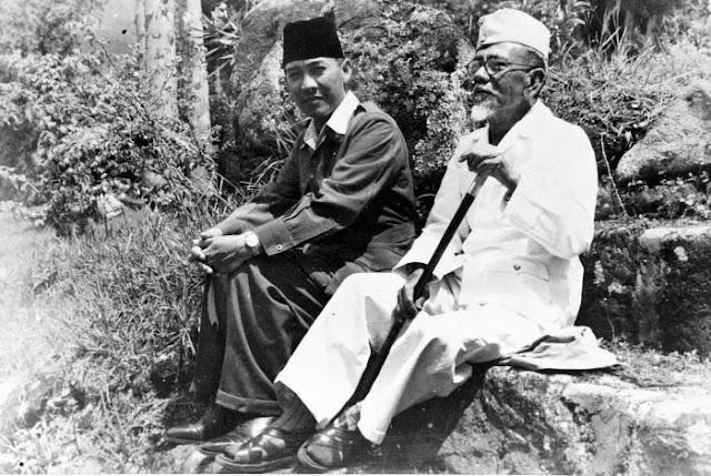 Sukarno dan Agus Salim