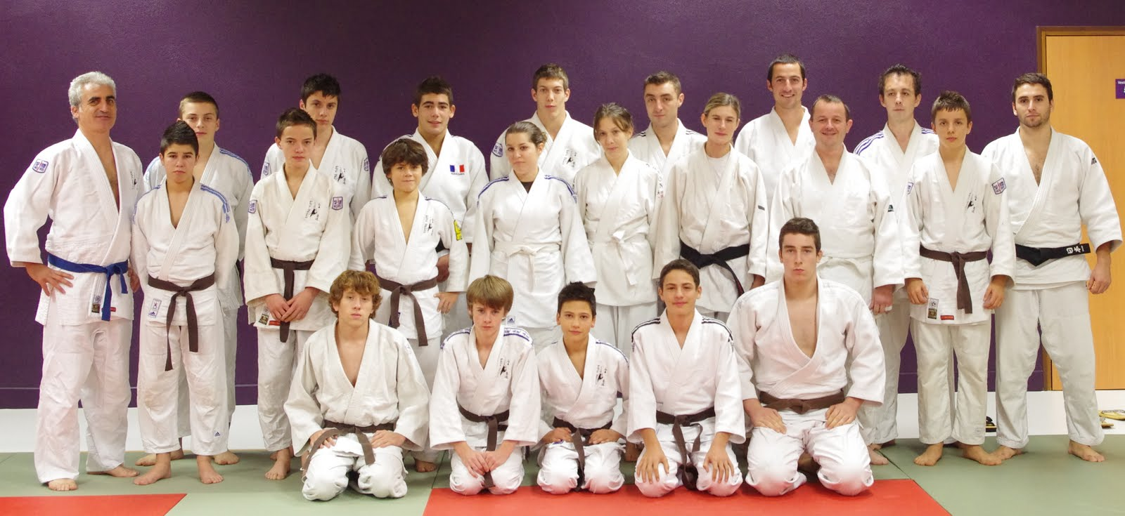 photos du calendrier 2012 2013 judo club de l 39 hermitage. Black Bedroom Furniture Sets. Home Design Ideas