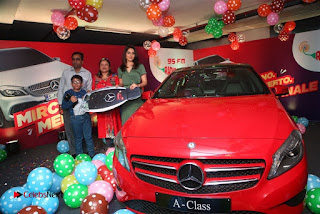 Raashi Khanna at Mirchi 95 Suno Mercedes Jeeto Contest Stills  0002