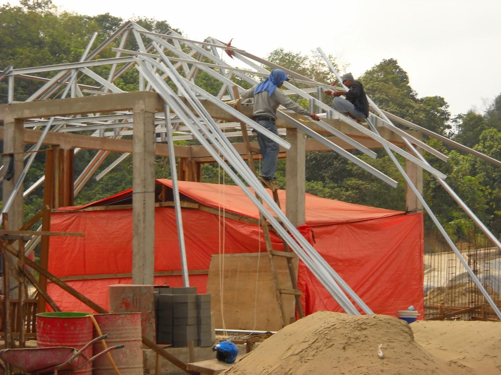 atap rumah baja ringan atau kayu rangka di malang megatrussglobal