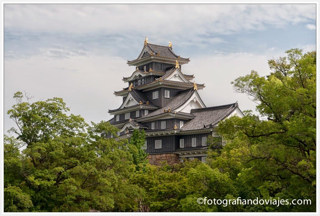 Castilo de Okayama cerca del jardín Kerokuen
