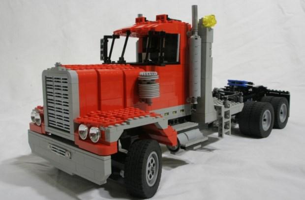 kepala truk gandeng lego
