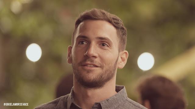 Imagen de David Mora en la película Kiki, el amor se hace, interpretando el papel de una persona sorda