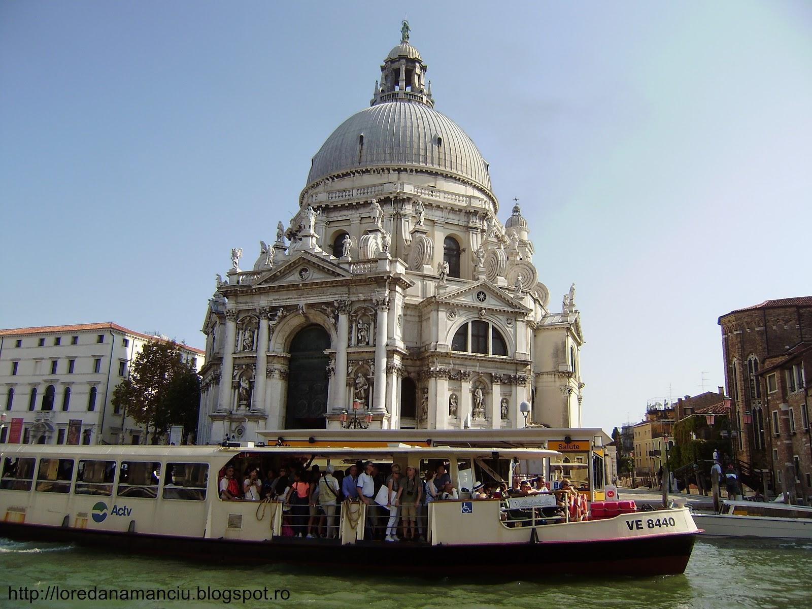 Venice, Italy - transport pe apa