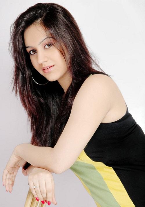 Aksha Pardasany Top 10 Photos