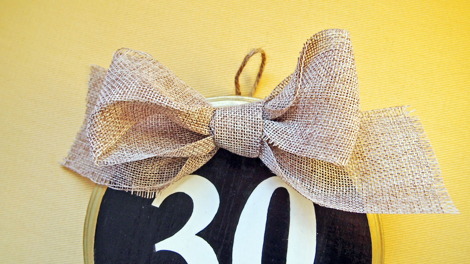 How to make a cute house number for your sweet home (DIY Tutorial) via angelichigo.blogspot.ca